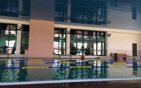 3-комнатная квартира, 127 м², 1/3 этаж помесячно, Абулхайр хана 7 за 350 000 〒 в Атырау