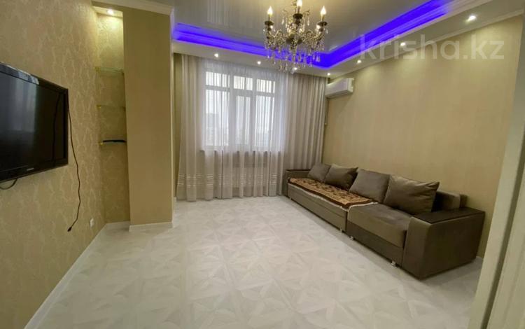 1-комнатная квартира, 45 м², 2/8 этаж помесячно, Кабанбай Батыра 58Б за 120 000 〒 в Нур-Султане (Астане), Есильский р-н