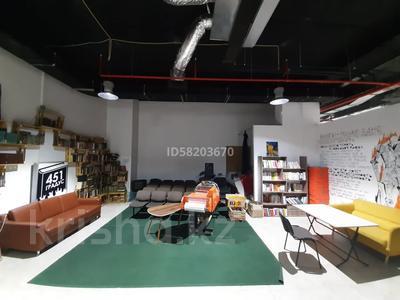 Бутик площадью 107 м², Масанчи 135 — Амангельды за 321 000 〒 в Алматы, Алмалинский р-н — фото 3