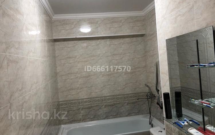 2-комнатная квартира, 56 м², 16/18 этаж помесячно, Брусиловского 3 за 180 000 〒 в Алматы, Алмалинский р-н