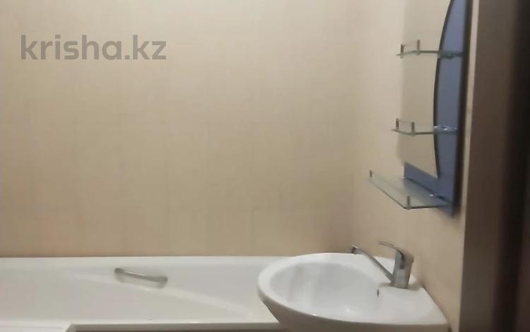 1-комнатная квартира, 45 м², 8/17 этаж помесячно, мкр Мамыр-1, Мкр Мамыр-1 за 120 000 〒 в Алматы, Ауэзовский р-н