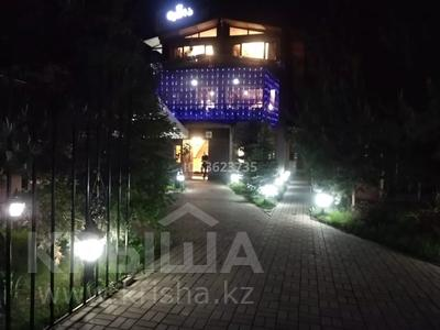 Здание, площадью 565 м², мкр Таугуль-3, Цветочная 6/1 — Джандосова за 250 млн 〒 в Алматы, Ауэзовский р-н