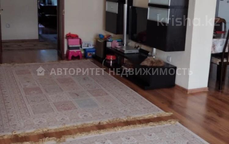 3-комнатная квартира, 110 м², 15/17 этаж, мкр Мамыр-1, Мкр Мамыр-1 — Шаляпина за 39.9 млн 〒 в Алматы, Ауэзовский р-н