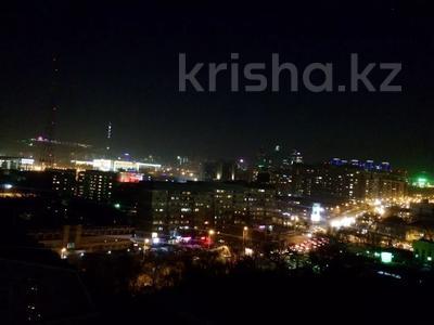 4-комнатная квартира, 160 м², 14/14 этаж посуточно, Масанчи 98а — Абая за 25 000 〒 в Алматы — фото 19