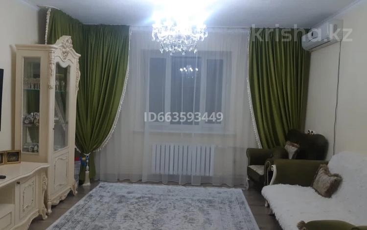 2-комнатная квартира, 72 м², 2/5 этаж, Авангард-4 15а за 29 млн 〒 в Атырау, Авангард-4