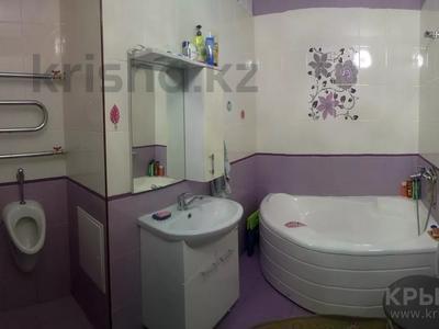 2-комнатная квартира, 76 м², 2/12 этаж, Кабанбай батыра 40 за 24.5 млн 〒 в Нур-Султане (Астана), Есильский р-н — фото 6