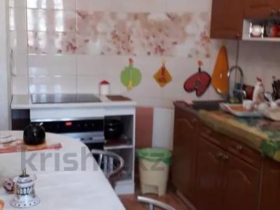 2-комнатная квартира, 76 м², 2/12 этаж, Кабанбай батыра 40 за 24.5 млн 〒 в Нур-Султане (Астана), Есильский р-н — фото 2