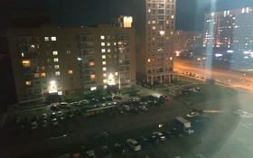 1-комнатная квартира, 52 м², 9/9 этаж помесячно, Кошкарбаева — Жумабаева за 100 000 〒 в Нур-Султане (Астана), Алматы р-н