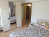 4-комнатная квартира, 90 м², 2/5 этаж помесячно