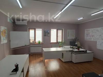 5-комнатный дом, 192 м², 2 сот., Крупской 46\1 за 45 млн 〒 в Атырау — фото 8