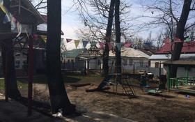 3-комнатный дом помесячно, 210 м², 10 сот., мкр Алгабас, Ферузы Онгарсыновой за 250 000 〒 в Алматы, Алатауский р-н