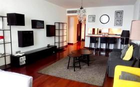 3-комнатная квартира, 130 м² помесячно, Аль-Фараби 77/3 за ~ 1.4 млн 〒 в Алматы, Медеуский р-н