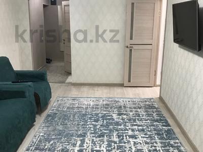 2-комнатная квартира, 45 м², 2/4 этаж посуточно, Толе би 61 — Айтиева за 12 000 〒 в Таразе — фото 2