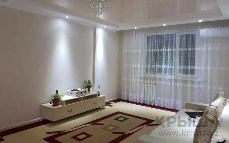 2-комнатная квартира, 52 м², 10/12 этаж, Кошкарбаева 34 за 19 млн 〒 в Нур-Султане (Астане), Алматы р-н