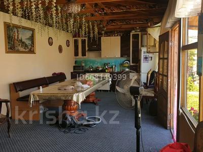 11-комнатный дом, 195 м², 10 сот., мкр Фёдоровка , Тұмар 44 — Рыбалко за 22 млн 〒 в Караганде, Казыбек би р-н