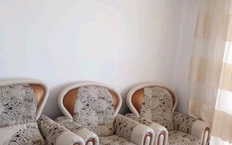 3-комнатная квартира, 74 м², 4/5 этаж, мкр Майкудук, Шахтёрский 114 за 16 млн 〒 в Караганде, Октябрьский р-н