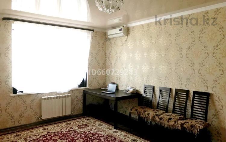 2-комнатная квартира, 70 м², 4/6 этаж, мкр Жана Орда 10 за 18.5 млн 〒 в Уральске, мкр Жана Орда