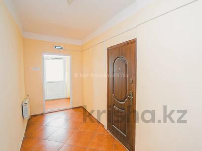 1-комнатная квартира, 47 м², 16/17 этаж, Иманова за 14 млн 〒 в Нур-Султане (Астана), р-н Байконур — фото 17