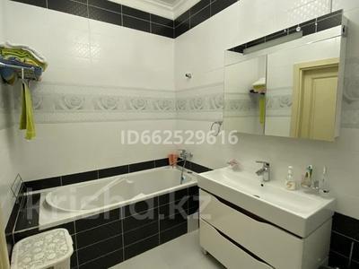 4-комнатная квартира, 170 м², 7/7 этаж, Мангилик ел 28 за 93 млн 〒 в Нур-Султане (Астана) — фото 11