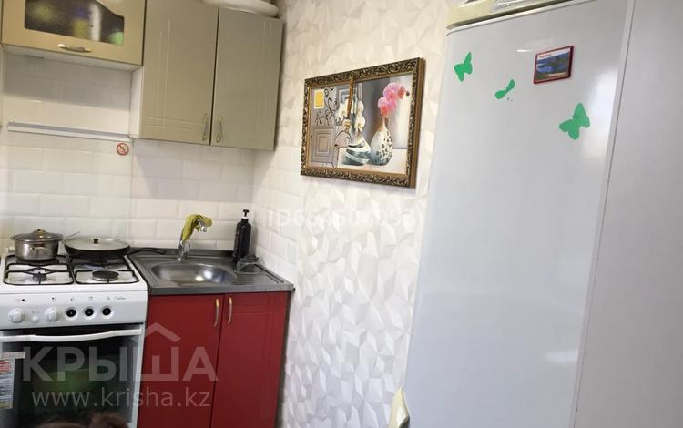 2-комнатная квартира, 48 м², 4/5 этаж, мкр Майкудук, 13й микрорайон 32 за 8.8 млн 〒 в Караганде, Октябрьский р-н