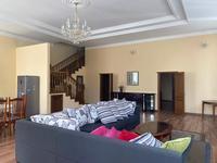 4-комнатный дом помесячно, 250 м², 5 сот.