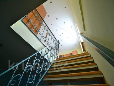 8-комнатный дом, 185 м², 4 сот., Орманова — Есенберлина за 55 млн 〒 в Алматы, Медеуский р-н — фото 11