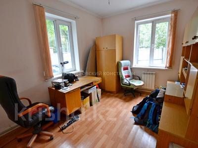 8-комнатный дом, 185 м², 4 сот., Орманова — Есенберлина за 55 млн 〒 в Алматы, Медеуский р-н — фото 8