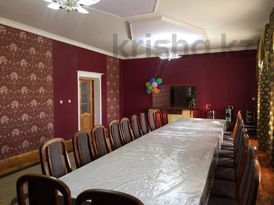 5-комнатный дом посуточно, 250 м², Байдибек би 8 — Акынова за 15 000 〒 в Шымкенте — фото 3