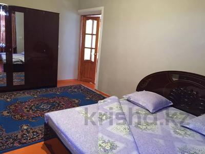 5-комнатный дом посуточно, 250 м², Байдибек би 8 — Акынова за 15 000 〒 в Шымкенте — фото 5