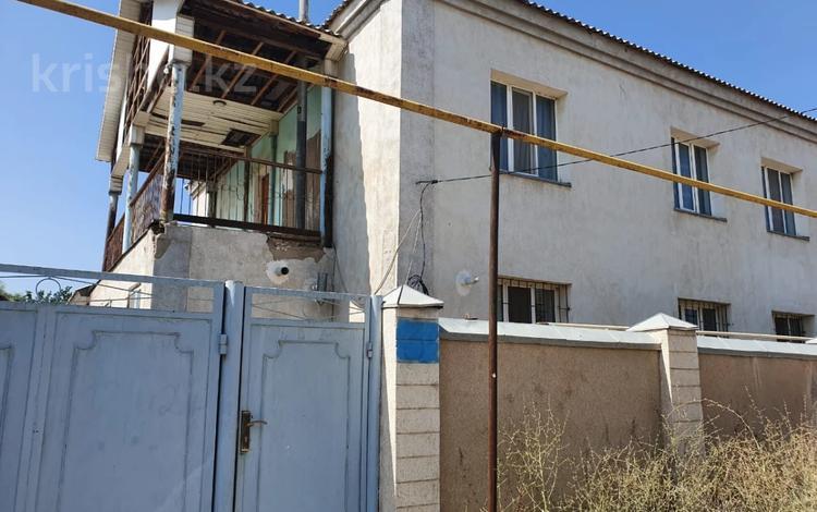 7-комнатный дом помесячно, 210 м², 8 сот., Шакирова за 150 000 〒 в Шымкенте, Аль-Фарабийский р-н