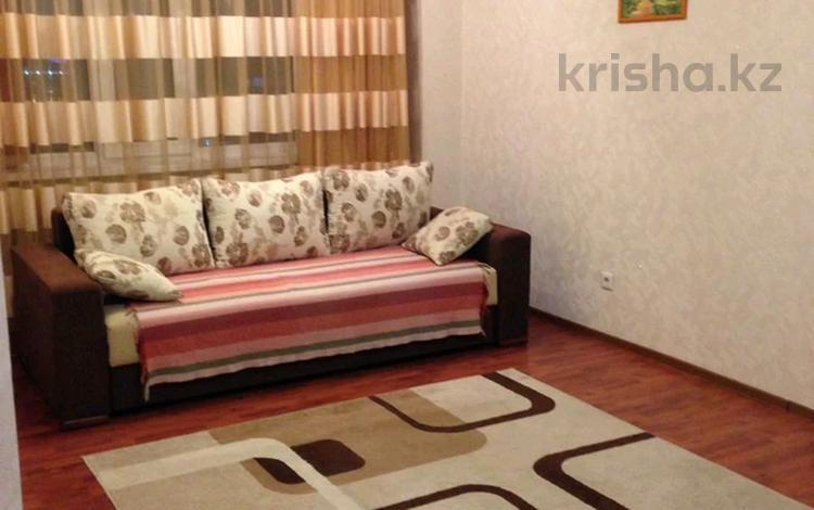 2-комнатная квартира, 80 м² помесячно, Туркестан 2 за 180 000 〒 в Нур-Султане (Астана), Есиль р-н