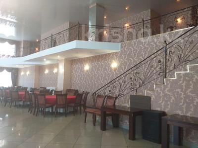 Здание, площадью 2853 м², Тауелсиздик 149 — Бородина за 400 млн 〒 в Костанае — фото 23