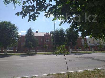 Здание, площадью 2853 м², Тауелсиздик 149 — Бородина за 400 млн 〒 в Костанае — фото 4