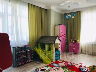 4-комнатная квартира, 160 м², 14/15 этаж, Керей и Жанибек хандар — Сауран за ~ 90 млн 〒 в Нур-Султане (Астана) — фото 11