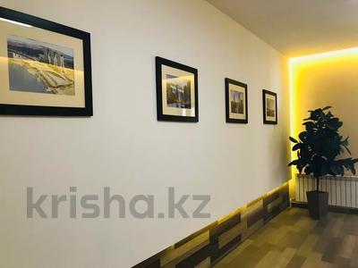 4-комнатная квартира, 160 м², 14/15 этаж, Керей и Жанибек хандар — Сауран за ~ 90 млн 〒 в Нур-Султане (Астана) — фото 36