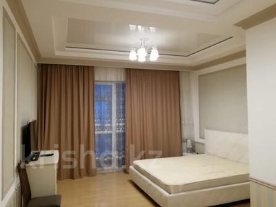 4-комнатная квартира, 150 м², 24 этаж помесячно, Желтоксан 2 за 290 000 〒 в Нур-Султане (Астана), Есиль р-н