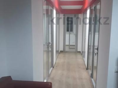 Офис площадью 80.6 м², Сыганак 29 — Мангилик ел за 5 000 〒 в Нур-Султане (Астана), Есиль р-н