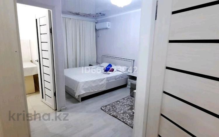 1-комнатная квартира, 30 м², 2/5 этаж посуточно, Мкр ШУГЫЛА 5 — Бухарбай батыр за 10 000 〒 в