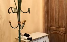 5-комнатный дом помесячно, 500 м², 20 сот., Достык 333 за 2 млн 〒 в Алматы, Медеуский р-н