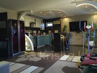 4-комнатный дом, 105 м², 7 сот., Бекмаханова — Бартольда за 37 млн 〒 в Алматы