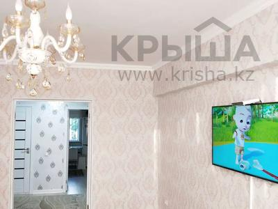 2-комнатная квартира, 68 м², 1/5 этаж, 12 микрайон 14 за 15 млн 〒 в Таразе