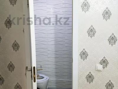 2-комнатная квартира, 68 м², 1/5 этаж, 12 микрайон 14 за 15 млн 〒 в Таразе — фото 8