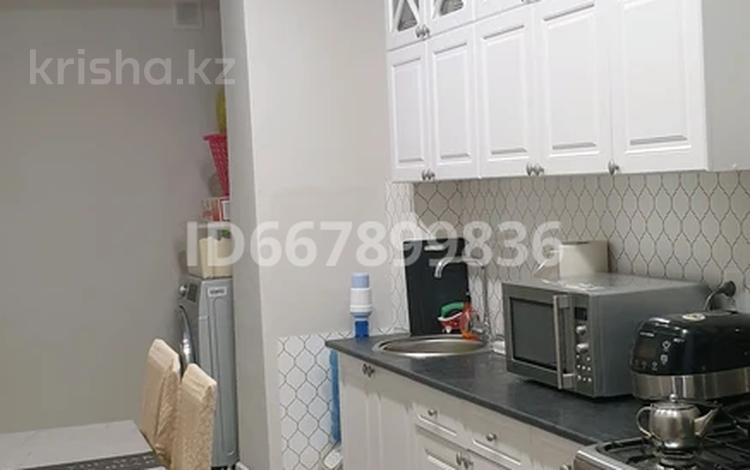 2-комнатная квартира, 54 м², 2/2 этаж, 3а мкр 9 за 9.2 млн 〒 в Жанаозен