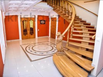 6-комнатная квартира, 346 м², 10/12 этаж помесячно, Протозанова 141 за 500 000 〒 в Усть-Каменогорске