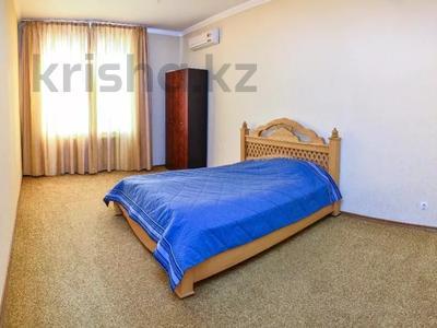 6-комнатная квартира, 346 м², 10/12 этаж помесячно, Протозанова 141 за 500 000 〒 в Усть-Каменогорске — фото 8