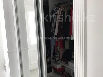 2-комнатная квартира, 66.4 м², 7/12 этаж помесячно, Бухар Жырау 19 за 150 000 〒 в Нур-Султане (Астана), Есиль р-н — фото 6