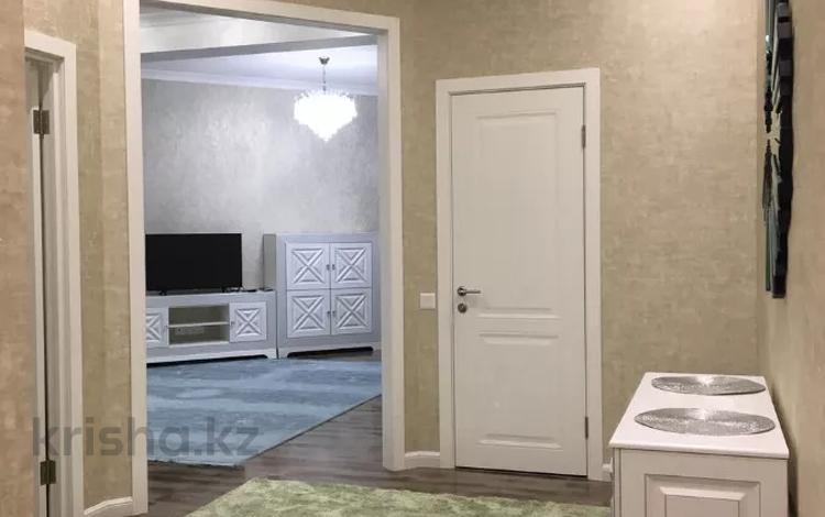 3-комнатная квартира, 150 м² помесячно, Мирас 157 за 500 000 〒 в Алматы, Бостандыкский р-н