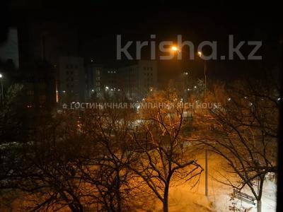1-комнатная квартира, 35 м², 3/5 этаж посуточно, Алиханова 18 за 8 995 〒 в Караганде, Казыбек би р-н