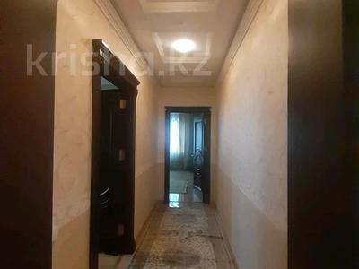 5-комнатная квартира, 182 м², 25/33 этаж помесячно, Кабанбай батыра 11 за 300 000 〒 в Нур-Султане (Астана), Есиль р-н — фото 17