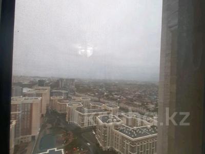 5-комнатная квартира, 182 м², 25/33 этаж помесячно, Кабанбай батыра 11 за 300 000 〒 в Нур-Султане (Астана), Есиль р-н — фото 18